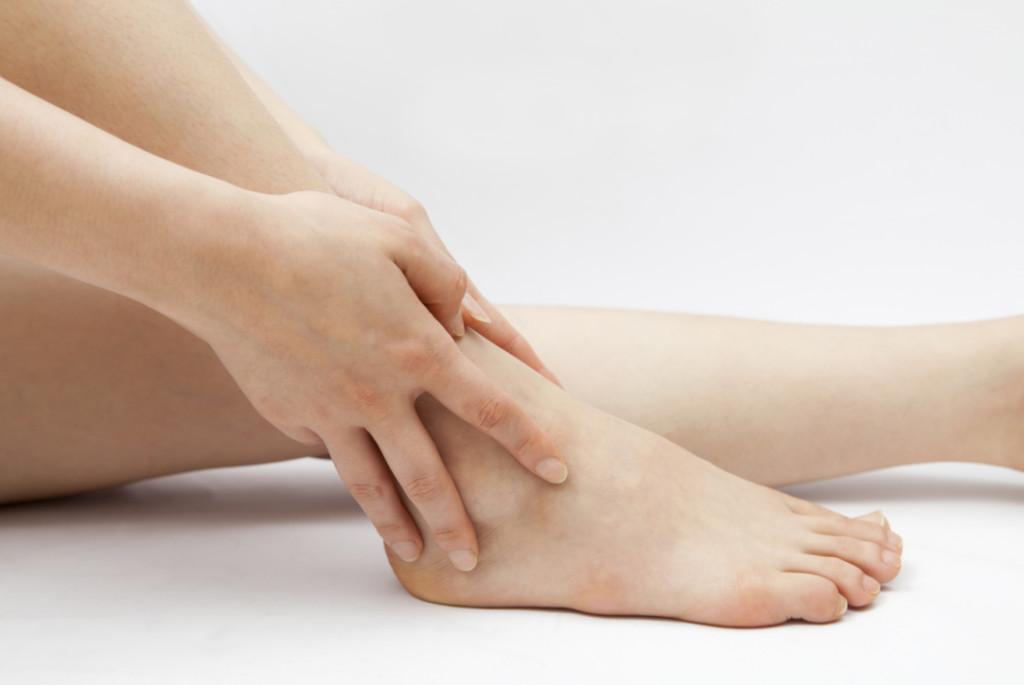 Если сильно болит нога артрит что делать фото